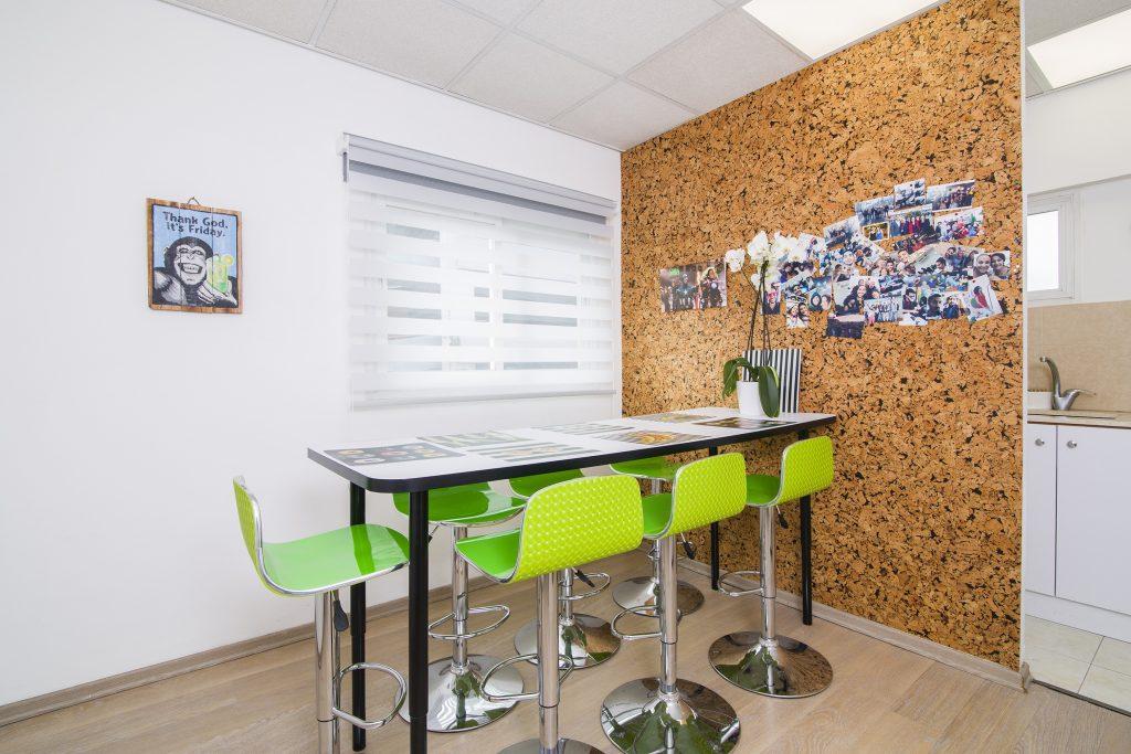 עיצוב פנים למשרדים ברעננה - דואט תכנון, עצוב פנים וניהול שיפוצים - קלאודיה ויסברג ליבנה, יעלי לוי קופל